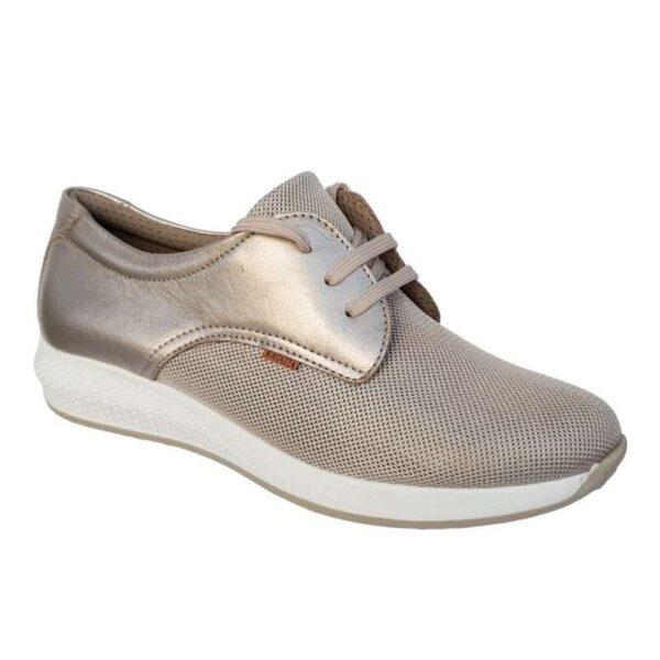 ragazza-sneakers
